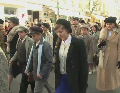 Marsz cieni ulicami stolicy. Uczestnicy upamiętnili ofiary zbrodni...