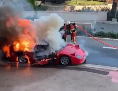 Legendarne Ferrari spłonęło. Świadek próbował gasić samochód z balkonu