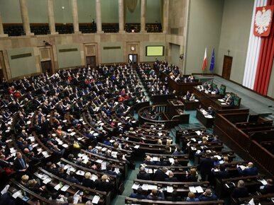 """PiS zmienia regulamin Sejmu, opozycja wyraża sprzeciw. """"To kolejna próba..."""