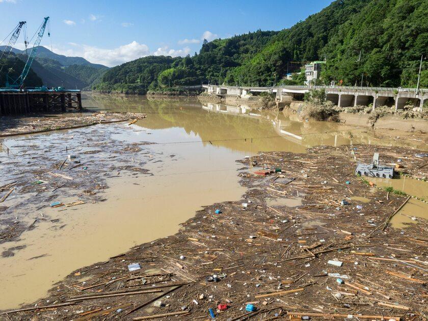 Podtopienia po powodzi w Japonii