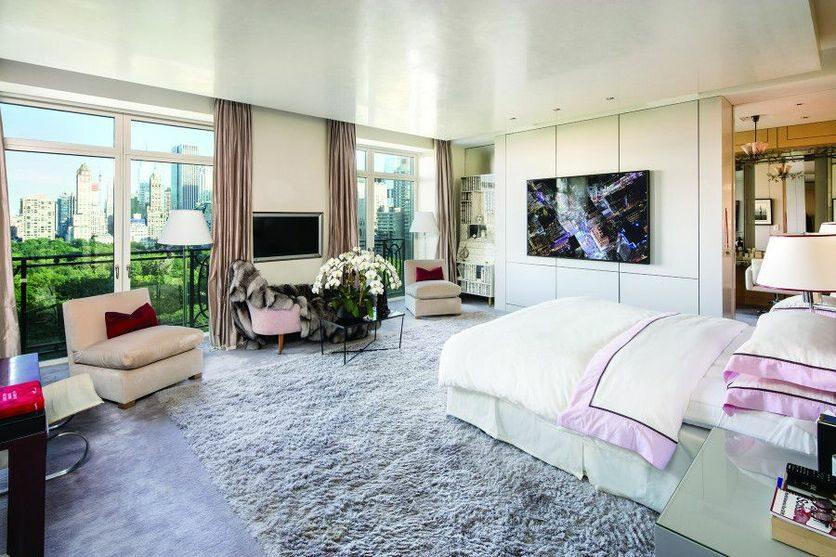 Nowojorski dom Stinga Przyszły właściciel nie musi się martwić o wyposażenie mieszkania – znajdzie w nim między innymi dwie ogromne lodówki, a także trzy zmywarki oraz mnóstwo innych sprzętów gospodarstwa domowego.