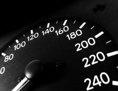 Mazowsze: samochód zderzył się z autobusem, kierowca nie żyje