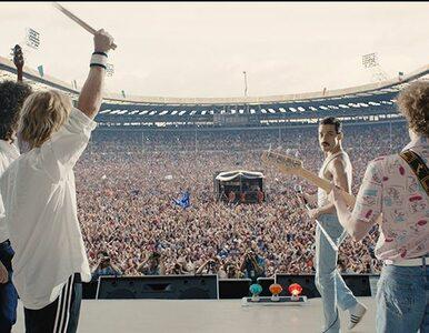 """Finałowa scena z """"Bohemian Rhapsody"""" powtarza gesty Mercury'ego niemal..."""