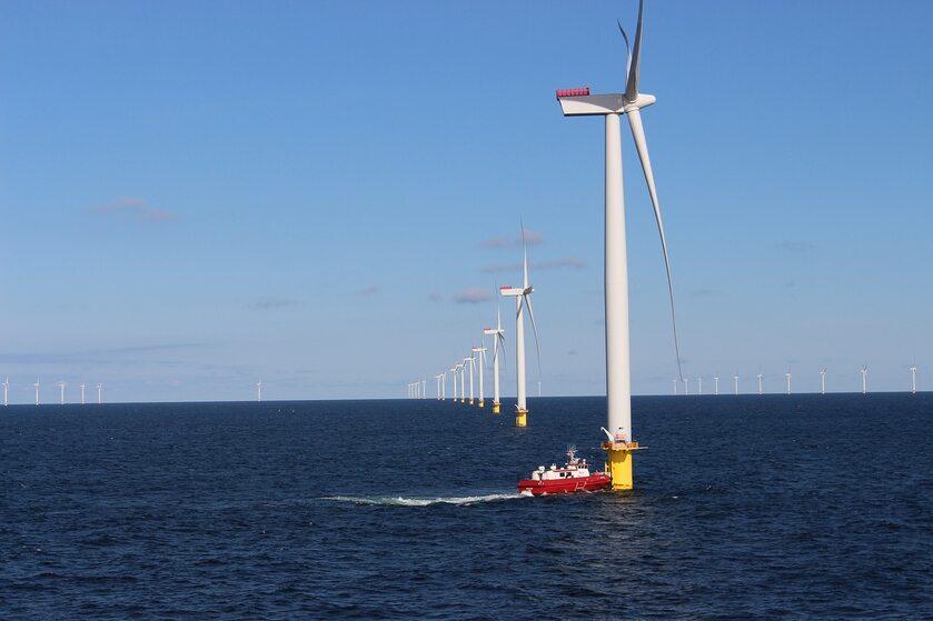 Morska farma wiatrowa, zdj. ilustracyjne