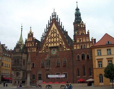 Pękła rura, więc Wrocław stoi w korkach