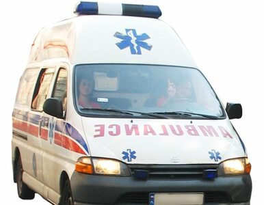 Opolskie: karetka zderzyła się z samochodem, 18-latek nie żyje