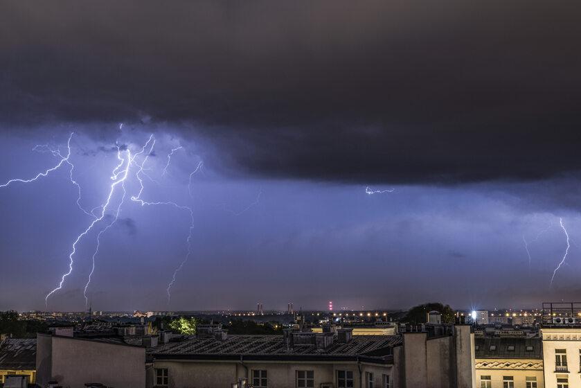 Burza nad Warszawą, zdjęcie ilustracyjne