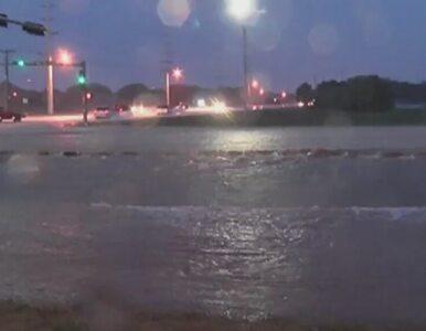 Zalane autostrady i zatopione samochody. Teksas walczy z powodzią