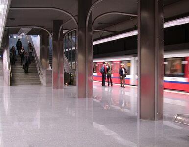 Warszawa pożycza miliard złotych na budowę metra