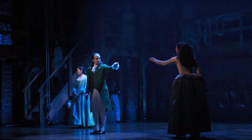 """Kadr z musicalu """"Hamilton"""""""