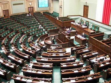 """""""Rz"""" donosi o ważnej zmianie w regulaminie Sejmu. Pomysł popiera PiS i..."""