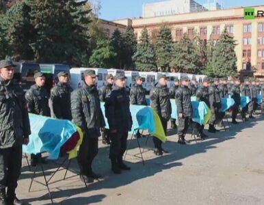 Masowy pogrzeb nieznanych żołnierzy na Ukrainie