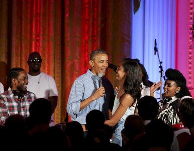 """Prezydent USA śpiewa z okazji urodzin Malii. """"Każdy ojciec powinien..."""