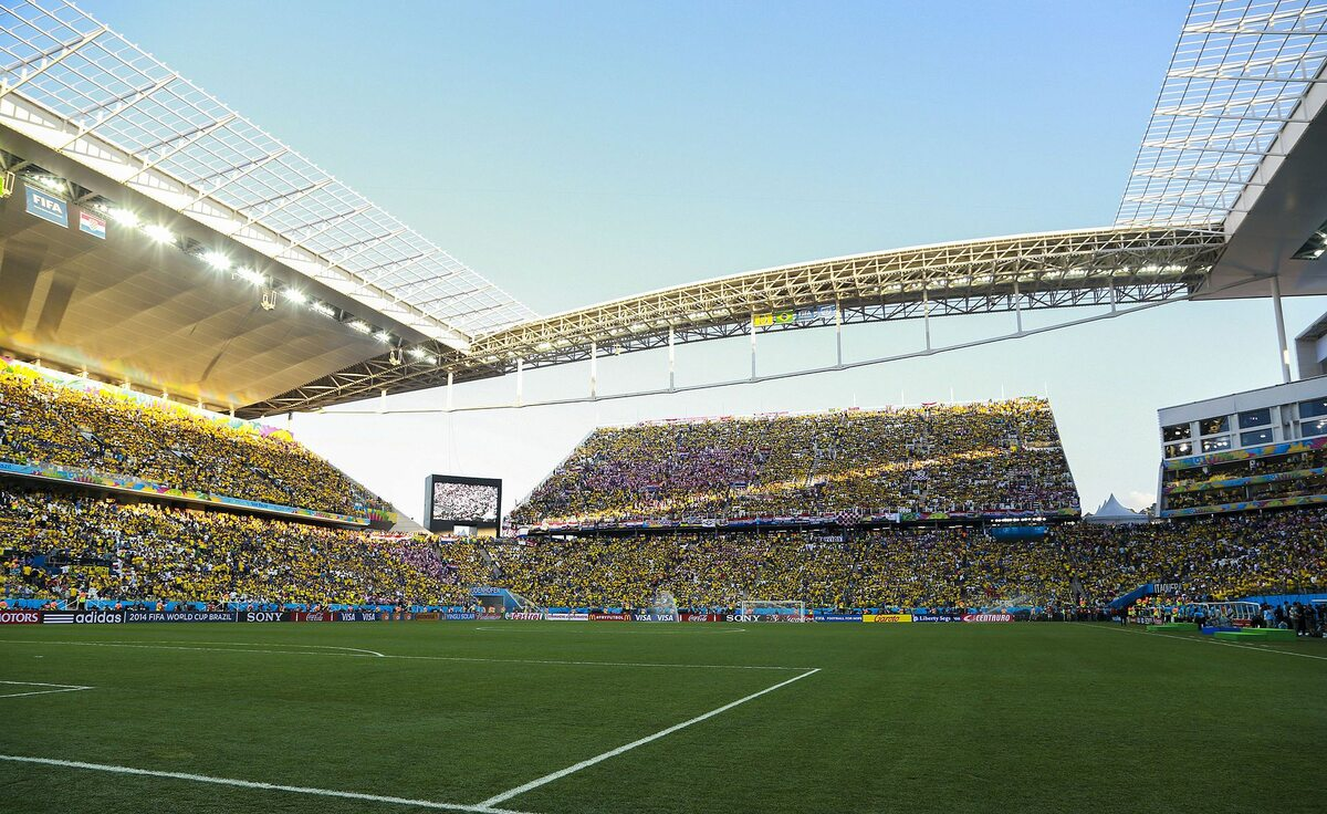 Tymczasowe trybuny na stadionie w Sao Paulo