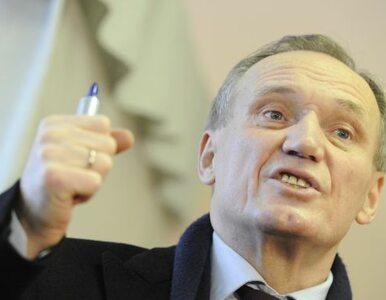 Kandydat na prezydenta Białorusi brutalnie pobity przez milicję
