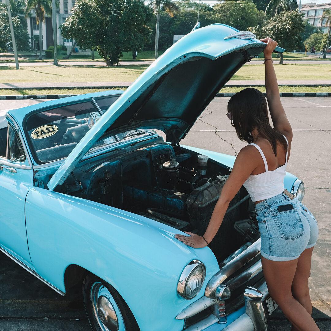Lexie Alford na Kubie