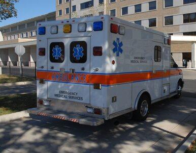 Karetka wioząca pacjenta stanęła, by... zabrać autostopowiczów