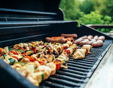 Tą sałatką zaskoczysz gości na grillu. Potrzebujesz tylko jednego warzywa