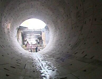 Pierwsza nitka tunelu pod Martwą Wisłą prawie gotowa