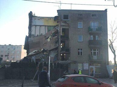 Poznań: Strażacy uratowali psa z zawalonej kamienicy. Leżał pod gruzami...