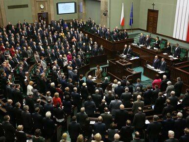 Nowy sondaż: PiS prowadzi, Kukiz dogania PO