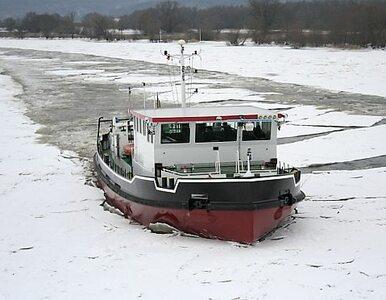Mazowieckie: lodołamacze rozbijają zator na Wiśle. Zagrożenie powodzią...