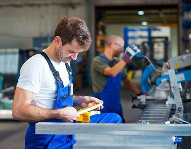 Z Polski wyjedzie nawet 500 tys. pracowników. Podwyżki nie pomogą